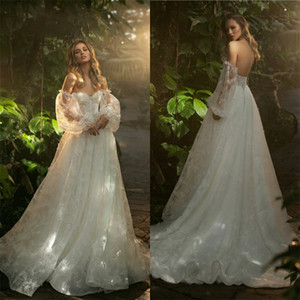 Boho A Line Wedding Dresses Sexy Sweetheart Long Sleeves Backless 3D- Floral Appliqued Lace Sequins Bridal Dress Sweep Train Bridal Gown