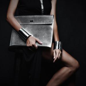 YDYDBZ 2019 Leder-Armband-Frauen-silberne Bondage Armbänder High Street Schmuck handgemachte justierbare Armbänder