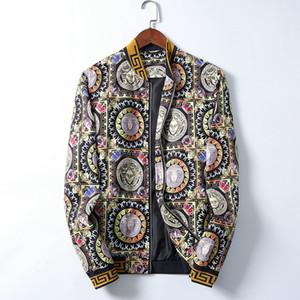 Mens Designer Hooded Jackets Windbreaker Sportswear New Spring Autumn Casual Jacket Clothing Zipper Collar Plaid Printed Slim Jacket