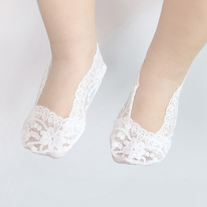 Baby Girls Hollow Out Lace Princess Boca baja Invisible Interior Antideslizante Cute Boat Calcetines Baby Calcetines
