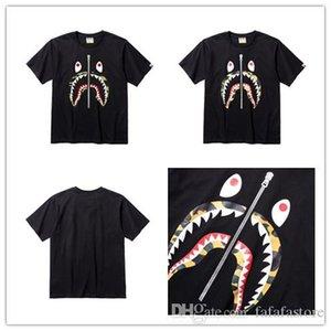 2019 nuevos hombres y mujeres 19BAPE un nuevo baño 19 APE cabeza de tiburón Camiseta de manga corta Camo Tee