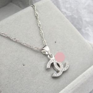 Colgante del diseñador de moda collar de la letra de las mujeres a los hombres collar de cristal de diamante Luxurys Collares Señora joyería regalo la mejor calidad