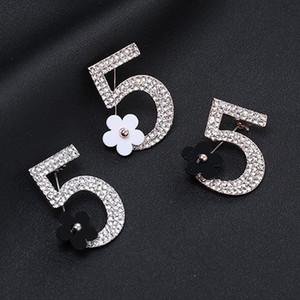 Moda Number 5 Küçük Çiçek Broş Tam Yapay elmas Broş Kadınlar Mücevher Tasarımcısı iğneler İçin Bayanlar Altın Ve Gümüş Toptan