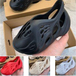 2020 Summer Beach pantoufle mousse coureur de luxe trou diapositives OS marque sandale Enfants Chaussures Garçon Fille Jeunes enfant taille 24-35