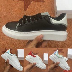 Reflective Triple Black White Luxury Designer Men Casual Shoes Mens Womens Fashion Sneakers Party Platform Shoes Velvet Chaussures Sneaker