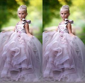 Довольно принцесса Бальное платье Цветок Девушка Платья 3 3D Цветочные аппликации Bow Gilrs Pageant Платье Пушистый Тюль Долгое время Рождения Платье