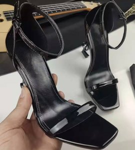 Chic Branded Women Leather Sandal Designer Lady Belas Strap Buckle ouro tonificado Couro Sola High Heel Sandal