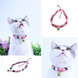 Japon Tarzı Kedi Çan Anti-kayıp Yaka 4 Boyutu Ayarlanabilir Çok Renkler El Yapımı Yumuşak Kumaş Kedi Köpek Yaka Pet aksesu ...