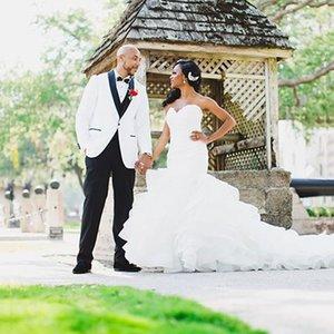 Partido Evening Suits MenTuxedos noivo casamento branco 2piece Slim Fit Terno Masculino Preto xaile lapela do traje Homme Man trajes Man Blazers