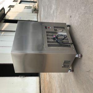 110 / 220V Popsicle-Maschine, Eiscreme-Stickmaschine, Popsicle-Maschine 40 Stücke am Stiel integrierte Form, umweltfreundlich