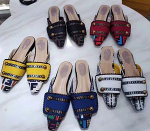 Avec boîte femme pantoufles de haute qualité, sandales, chaussures plates, chaussures de designer, chaussures de sport, chaussures coulissantes, tongs par shoe10 FD1051