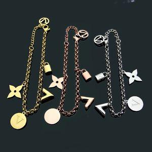 Neuer Design Punkcharme mit Lock-Medaille für Multi-Zubehör Frauen Armband des Nachtclub Schmuck Geschenke