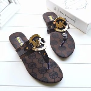 2019Summer Sandalen Shorts Strand Rutsche Mode tragen Pantoffeln Damen flache Schuhe freies Verschiffen und freies Verschiffen