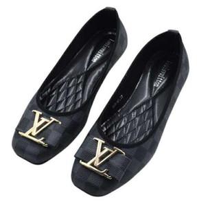 0583 новых женщин Кроссовки Мокасины Вышивка Повседневная обувь Мужская Zapatos Кроссовки 35-42