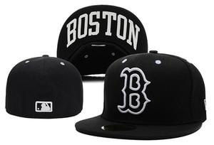 İyi Satış Yeni Boston Kırmızı Tam Siyah Renkte Donatılmış Düz Şapkalar sox Işlemeli Kapalı Kapaklar Chapéu Hip Hop Tasarım