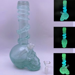 Skull Head Base Smoking Glass Water Pipes Glow in the Dark Wrapped Design Soft Glass Bongs Dab Rigs for Dry Herb Wax Oil Smoking