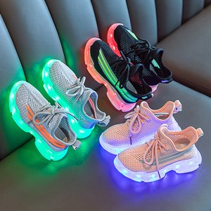 LED luminous new boys casual breathable mesh shoes girls Korean version of light shoes students sports shoes generation wholesale 2020 summe