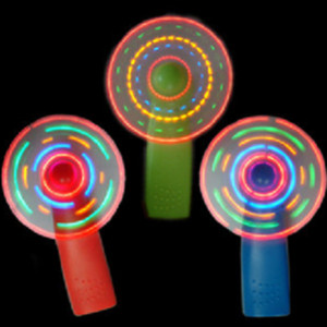 1 adet eğlenceli Sıcak Satış Plastik LED Renk Fan Matrix Taşınabilir Mini Hava Serin Fan Yeşil Mavi Işık Up Aydınlık oyuncaklar hediye