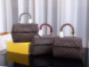 top M43982 Leather classic fashion handbag card bag zero wallet men's and women's backpacks single shoulder bag M43982
