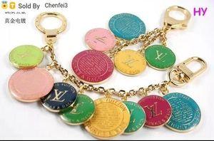 Chenfei3 19UX Hombres Mujeres Accesorios Charm clave titular de la clave TITULARES los encantos del bolso de Navidad en casa de regalos acrílico RAYAS FLORES encanto del bolso M78612