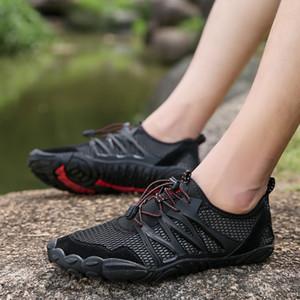 O Aqua Barefoot Cinco Dedos Sapatos Verão 2019 Sapatos praia novo para homens Upstream Walking Shoe água de secagem rápida Sports Footwear