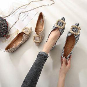 Sapatos Mulheres Buckle Flats Loafers manta Toe sapatos bicudos deslizamento sobre Slides Plus Size Ballet Flats Zapatos Mujer preto Apricot