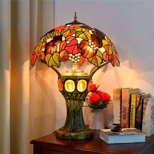 mesa Europeia lâmpadas estilo Tiffany lâmpada vitrais sala bar quarto da frente lobby decoração uva de mesa lâmpada TF092