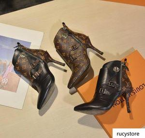 A1 ميكس 9 نموذج الأحذية المصمم جلدية فاخرة الكاحل الحذاء مكتنزة كعب مارتن الأحذية طباعة منهاج جلدية الدانتيل متابعة الصحراء التمهيد مع مربع