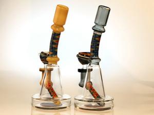 Bendt un cepo colorido científico remolinado, incorporado, incorporado, con vaso de vaso de vaso de agua, pipa de agua bong por zoda