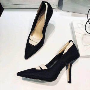 El envío libre tan Estilos Kate 9.5cm altos talones inferiores rojos de color negro de cuero genuino del dedo del pie del punto de las mujeres bombea los zapatos de boda de goma