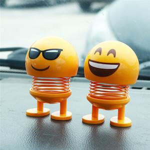 Kopf schütteln Puppe Spielzeug Auto-Verzierungen Dekor Kunststoff-Cartoon-lustige Feder für Wohnzimmer Tik Tok Hot Sale New Emoji Lächeln Shaker