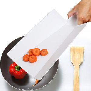 Складная Колоды Food Grade Пластиковые Растительное мясо разделочная доска Многофункциональное Кухонные принадлежности 38,2 * 21,5 Cm
