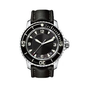 Top clássico Mens Watch 5015 CINQUENTA braças 50 braças Series 45MM Preto Luminous Dial automático Movimento Winding Nylon Strap Men Sports Watch