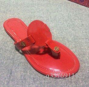 2017 Mei Vermelho Marca de Couro Genuíno Novas Mulheres Sandálias de Tanga Verão Mulheres Sandálias de Praia Famosa Flip Fllops Gratuitas
