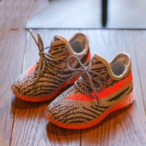 Дети кроссовки обувь малышей Детская Kanye West Run Обувь для новорожденных Девочка мальчиков молодежи и сандалии девушки Налейте Chaussures Enfants