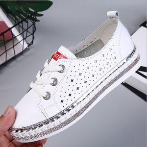Şık bayan içi boş dışarı deri ayakkabı kadın payetli düz düz bağcık platform ayakkabılar rahat deri küçük beyaz