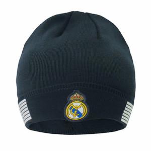 Yeni Sonbahar kış Futbolseverler Futbol kasketleri Headwears eğitim Futbol şapka Hediye Real Madrid messi Manchester Cap Spor Caps