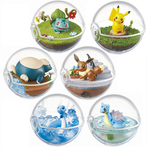 6pcs / set de la bola transparente con la figura de acción de Pika Bulbasaur Eevee Snorlax Dragonair Lapras PKM animado Juguetes cabritos de la decoración de regalos T200321