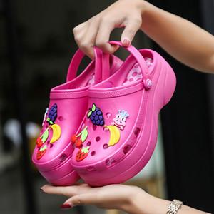 Dulces de colores Mujeres Sandalias Zuecos Mules EVA 2019 Chanclas de verano Playa Jardín Zapatos Zapatillas de moda Plataforma exterior Chinelo Feminino