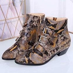 Mode féminine Botas Mujer Bottes en cuir tactique cheville pour femmes occidentales Rivets Vintage Chaussures cloutées Moto Punk Femme 10042