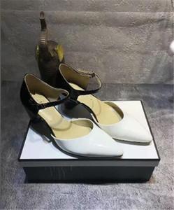 Au début du printemps nouveau single bout pointu talons creux couleur mixte cuir verni talon toutes les femmes à haut talon match boucle chaussures simples