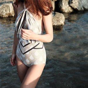 Swimwear caldo estate per le donne costume da bagno Holllow Out Halter un pezzo Backless del vestito di nuoto Costume da bagno S0304