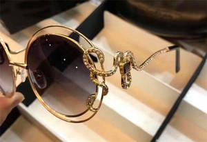 Designer de moda de luxo óculos de sol 1024 retro rodada armação de metal cobra espelho pernas com pequeno diamante estilo popular uv 400 óculos ao ar livre