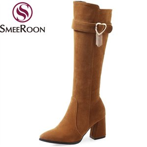 Smeeroon grandi dimensioni gregge stivali alti al ginocchio cerniera stivali scarpe a punta punta invernali caldi delle donne con decorazione in metallo