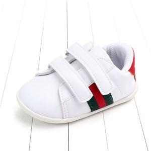 어린이 캐주얼 스니커즈 고무 유일한 스포츠 봄 / 가을 아기 PU 가죽 소프트 하단 유아 신발 미끄럼 방지 아기 신발