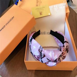 Print Letter Sport Headbands for Women Fashion Ladies Hair VV Band for Party Delicate Girls Hair Jewelry box