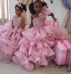 2020 Light Pink Lace Beaded Flower Girl Dresse Ball Gown Organza Tiers Little Girl Wedding Dresses Cheap Communion Pageant Dresses Gowns