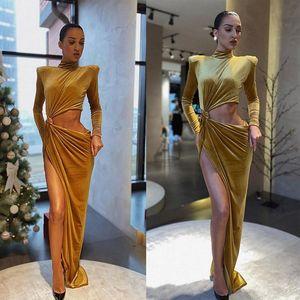 Fashion Dress Design unico Prom Dresses velluto alto colletto a maniche lunghe Ruffles sera abiti di alta Split Sides Spaccato Runway