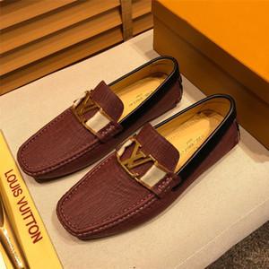 2019 Nouveau main mousseux cristal strass Hommes Mocassins Luxe Suede Glissement Hommes Chaussures Mode Tassel Chaussures Hommes Robe