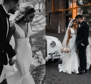 Simple Design Mermaid Wedding Dresses 2020 Vintage Matte Stain V-neck Bohemian Country Bride Outdoor Reception Wedding Gown